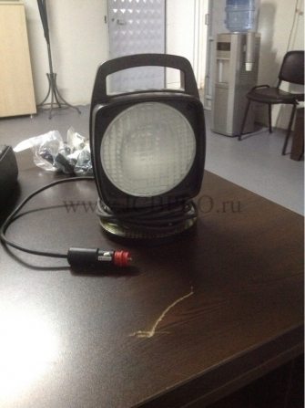 Переносной фонарь-прожектор JCB в прикуриватель